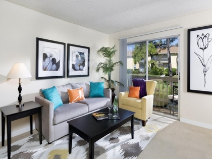 Trellis at the Lakes Begins First-of-its-Kind Apartment Home Renovations in the St. Petersburg Region of Florida