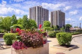HFF announces sale of 758-unit apartment property in downtown Wheaton, Illinois